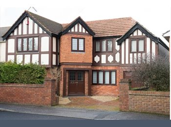 Long Room to let in Parkstone