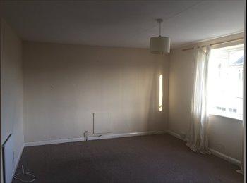 EasyRoommate UK - Flat for rent in Bourne End, Bucks - Bourne End, Bourne End - £800 pcm