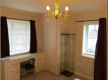 EasyRoommate UK - Bright And Spacious Double Room for female In Morden***Must View *** - Morden, London - £530 pcm
