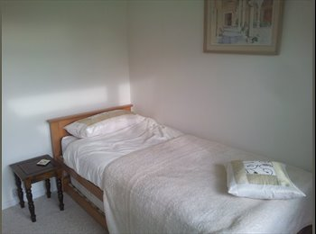 EasyRoommate UK - Mon to Friday Lodger wanted for very quiet location - Caversham, Reading - £400 pcm