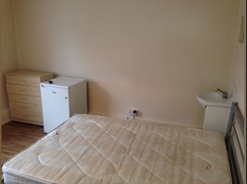 EasyRoommate UK - Stunning Flat In The Broadway - Bexleyheath, London - £433 pcm
