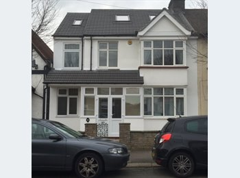 EasyRoommate UK - Very High Standard Large Double Rooms Available All Bills Inclusive (Central Line 3 Minutes Walk). - Newbury Park, London - £600 pcm