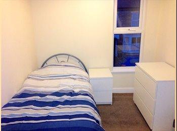 EasyRoommate UK - SINGLE ROOM TO RENT IN POPULAR LOCATION - King's Lynn, Kings Lynn - £280 pcm
