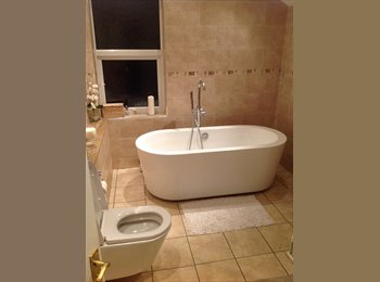 EasyRoommate UK - 2 large self contained rooms to rent in lovely you house. - Hanham, Bristol - £600 pcm
