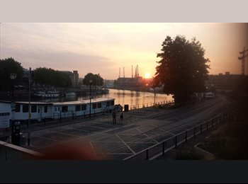 EasyRoommate UK - Double room in BS1 on the water in the harboursude - Bristol City Centre, Bristol - £625 pcm