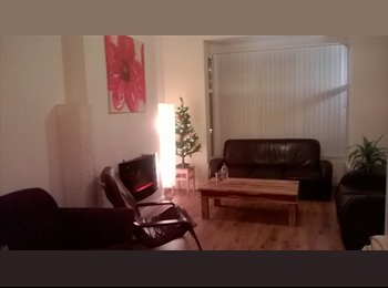 EasyRoommate UK - Beautiful rooms for rent in friendly house in Edgbaston - Harborne, Birmingham - £430 pcm