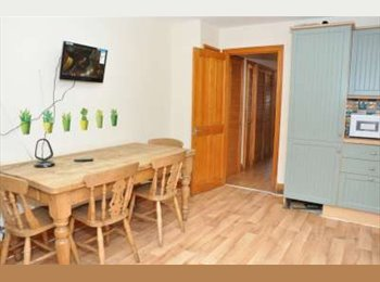 4 Rooms in Shared Furnished House With Patio in...
