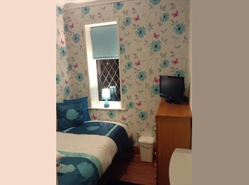 EasyRoommate UK - Refurbished single room. - Wakefield, Wakefield - £280 pcm