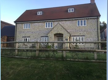 EasyRoommate UK - Beautiful house in scenic setting - Parkstone, Poole - £450 pcm