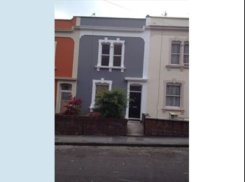 EasyRoommate UK - Two double bedrooms  - St Pauls, Bristol - £450 pcm