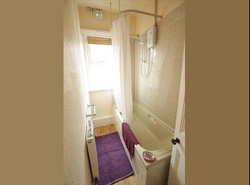 81 Headingley Mount *Houseshare Available*