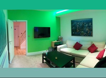 Modern FULLY FURNISHED Two double bedrooms
