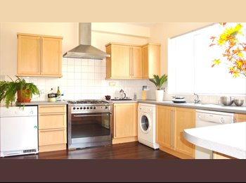 EasyRoommate UK - **LARGE DOUBLE ROOM - SUPERB APARTMENT - WEST PARK ** - West Park, Leeds - £300 pcm