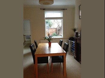 EasyRoommate UK - Large double room in Clarendon Park  - Knighton, Leicester - £310 pcm