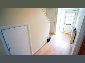 EasyRoommate UK - Large double room, Next to a Central Line station, All bills included + Free WIFI - Newbury Park, London - £565 pcm