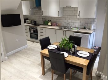 EasyRoommate UK - Brand new house share. Fully refurbished. All furniture/beds/mattresses/appliances brand new. Be 1st - High Wycombe, High Wycombe - £595 pcm