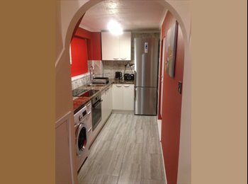EasyRoommate UK - Stunning single room in Taunton - Taunton, South Somerset - £360 pcm