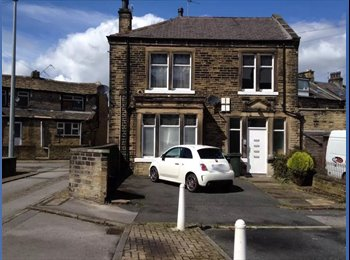 EasyRoommate UK - Studio Flat in Bradford - Great Horton, Bradford - £250 pcm