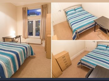 Rooms in Superb Double Fronted Detached House in Ealing...