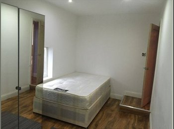Large Double room available in Ilford