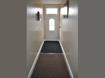 EasyRoommate UK - Rooms to rent in Warrington - Great Sankey, Warrington - £500 pcm