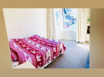 1x  large furnished double room in town centre (near...