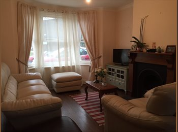 EasyRoommate UK - A large double room is available now - Chertsey, North Surrey - £700 pcm