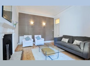 Monday - Friday Huge double room in clean apartment