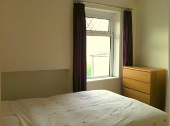 EasyRoommate UK - Private landlord offers double bedroom in a warm home near city centre and Cardiff Bay - Canton, Cardiff - £400 pcm