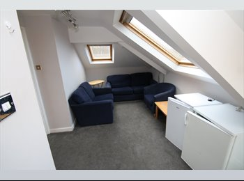 Student Rooms available in 5 bed Maisonette