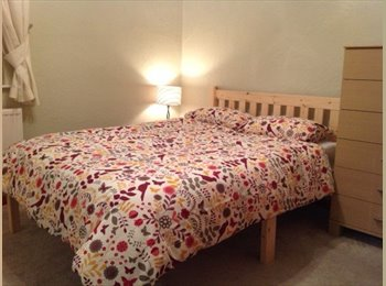 Lovely room in Macc cottage nr town