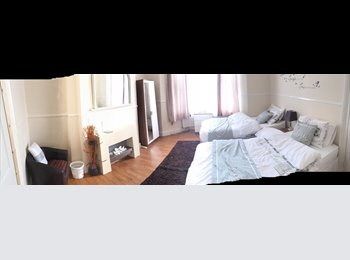 Warm, Comfortable double Newly dectorated rooms for rent