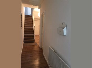 EasyRoommate UK - Furnished Double Sized Room in Islington Bills Included - Archway, London - £850 pcm