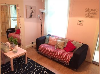 Fun&Sociable girly house, Christchurch area with parking...