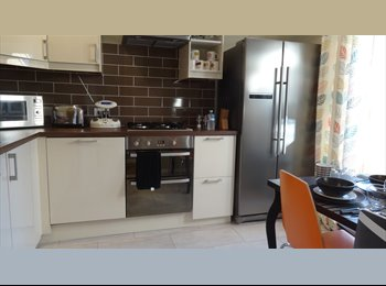 EasyRoommate UK - Looking for A HOME and NOT JUST A ROOM to rent? - Caversham, Reading - £675 pcm