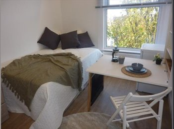 EasyRoommate UK - A huge double room in a newly refurbished maisonette in Archway  - Archway, London - £996 pcm