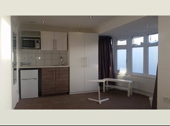 EasyRoommate UK - BRAND NEW FLAT!!!! ALL BILLS INCLUDED!!! - Hounslow, London - £795 pcm