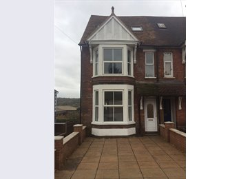 Central High Wycombe. Small single Bedroom in shared flat....