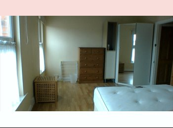 EasyRoommate UK - Double Room available for single occupation only. - Boultham, Lincoln - £395 pcm