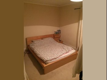 EasyRoommate UK - Large Furnish Double Town Centre  - Swindon Town Centre, Swindon - £375 pcm