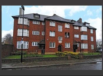 EasyRoommate UK - MODERN and SPACIOUS SINGLE ROOM FOR ONE PERSON IN THE STUNNING AREA OF HIGHGATE, AVAILABLE FROM THE  - East Finchley, London - £690 pcm