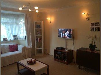 EasyRoommate UK - *Short Term* Double Room in Surbiton near Uni - Kingston upon Thames, London - £525 pcm