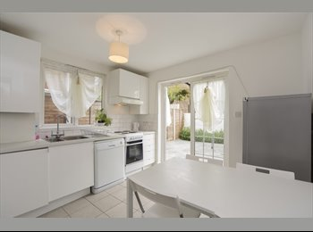 Amazing 7  rooms in a lovely house located in the...