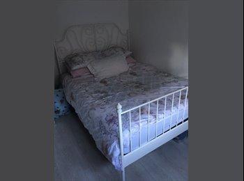EasyRoommate UK - Double Room  - Rainham, London - £500 pcm