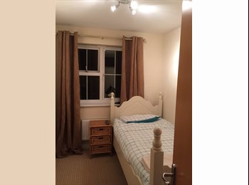 EasyRoommate UK - Single room with flat screen tv  - Kingsnorth, Ashford - £563 pcm