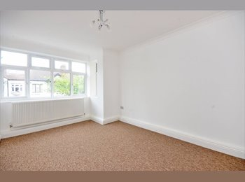 Fully Furnished First Floor Flat including all bills £1100...