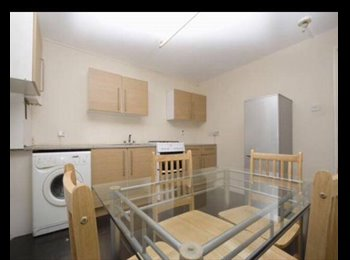 Cute Single Room is available for Girl. Stratford