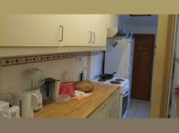 Well located double room in trendy Stoke Newington Church...