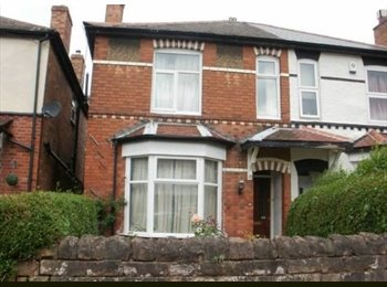 Room available 1st March Fletcher Rd 5mins West Entrance...