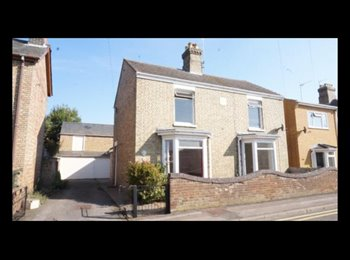 EasyRoommate UK - Large double room in character property - Whittlesey, Peterborough - £450 pcm